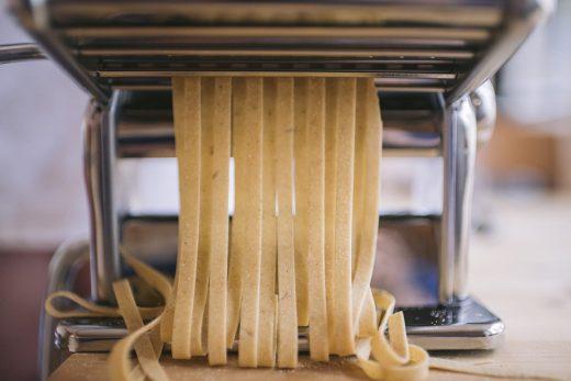 Machine à pâte électrique